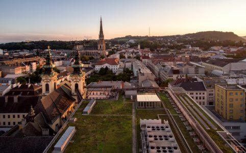 Ein Teil der Stadt Linz vom Höhenrausch aus gesehen.